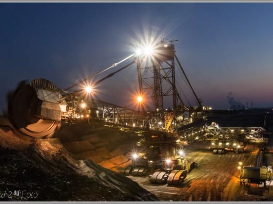 Nachts beim Bagger 255 im Tagebau Inden